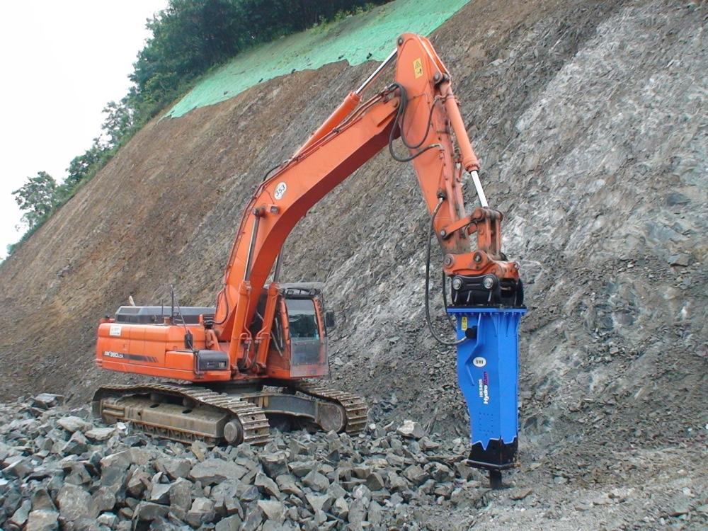 HydroRam HK580S Hydraulic Hammer on Doosan Excavator