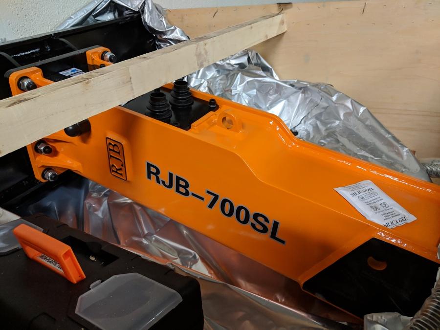 RJB700